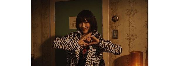 『シーサイドモーテル』といえば麻生久美子扮するキャンディの「萌え萌えフォーリンラブ」でしょう