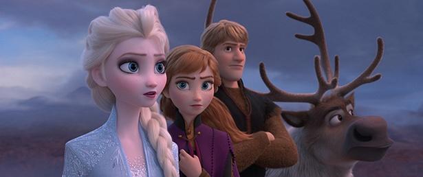 オラフやクリストフ、トナカイのスヴェンもアナとエルサの旅に同行する