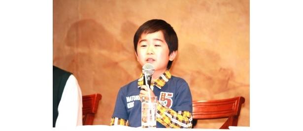 双子の弟・友樹役の鈴木