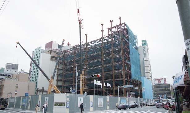 """グランドオープンへ向け、1996年1月から復興工事開始。""""21世紀へ通じる店""""を目指した/大丸神戸店"""