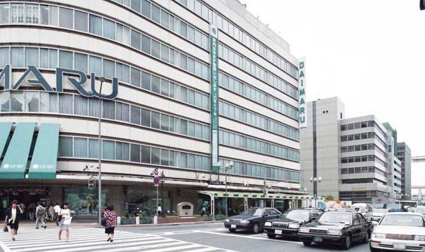 仮オープンから10か月後、1996年7月3日の大丸神戸店西側玄関/大丸神戸店