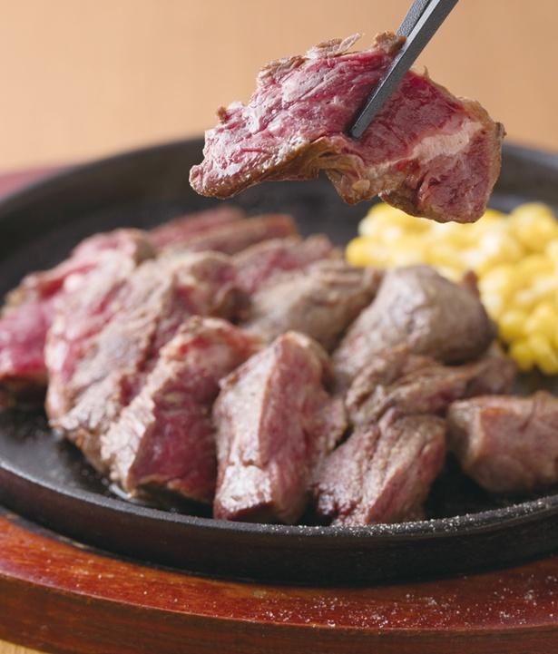 グラム数を選べる「だいちゃんステーキ」(300g1400円)。ランチはスープ・サラダ・ライス付き / だいちゃんステーキ
