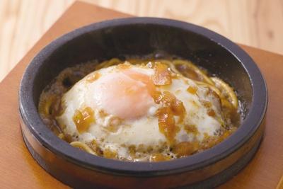 志賀島バーグ(195g1296円)は肉汁がほとばしる肉々しい味 / 肉最強伝説 志賀島店