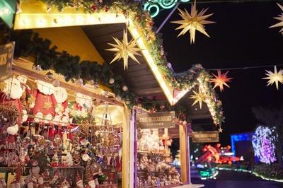 かわいいクリスマス雑貨がずらりと並ぶ、ハウステンボスのクリスマスマーケット
