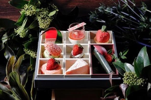 """【写真】8種類のストロベリースイーツを楽しめる 「Strawberry Box」はまさに""""いちごの宝箱"""""""