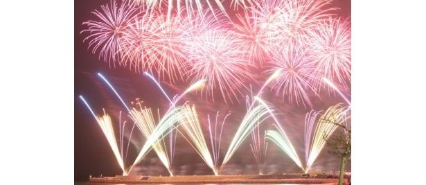 夜空を彩る花火たち「琉球海炎祭2011」
