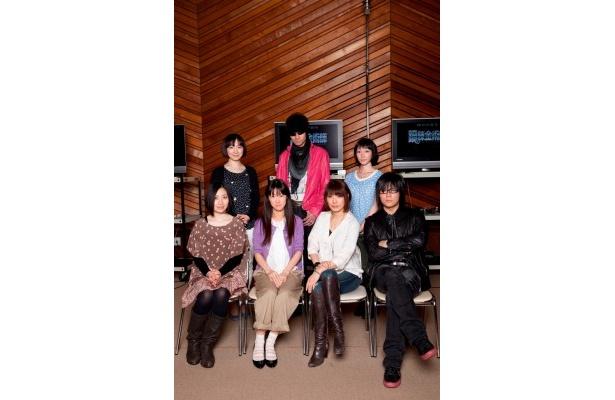 (後列左から)折笠富美子、三木眞一郎、高本めぐみ (前列左から)坂本真綾、釘宮理恵、朴ロ美、森川智之
