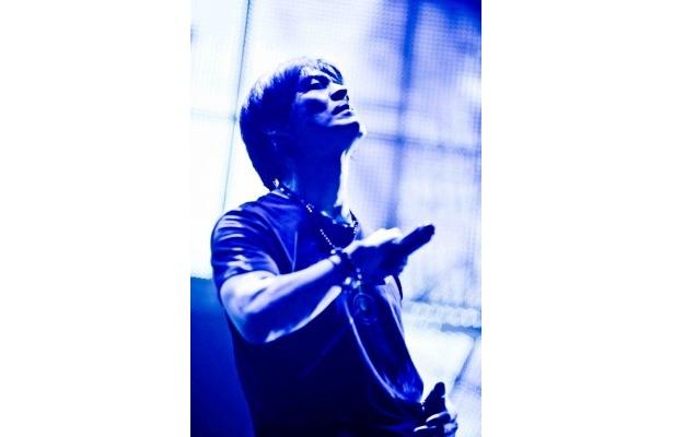 氷室京介が東京ドームでチャリティーライブを行うことを発表。伝説の名曲の数々がライブでよみがえる!