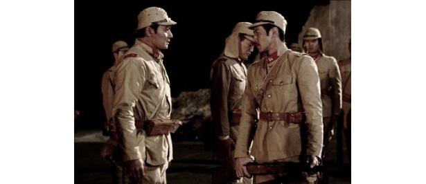 映画『マイウェイ(仮題)』で共演を果たすオダギリ ジョー(右)とチャン・ドンゴン(左)