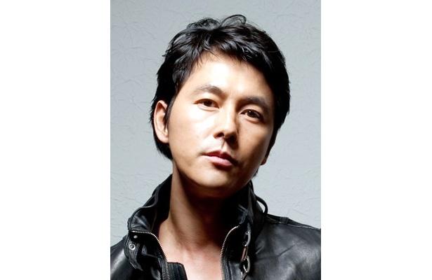 """韓国人医師役で""""小児白血病の権威""""として、日本のドラマに初登場するチョン・ウソン。反町との共演を楽しみにしているそう"""