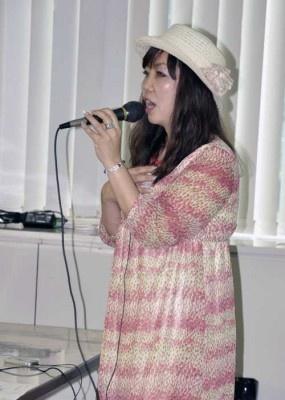 (株)be love companyの西洋子氏による講演「商店経営もIT活用で成果アップ!」では実際にITを活用して成果を上げた店舗のインタビューをビデオで紹介
