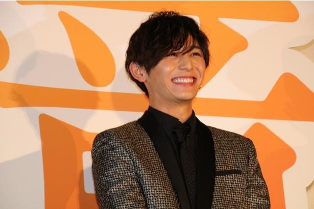 屈託ない笑顔を見せた山田涼介