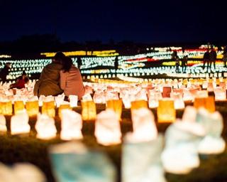 うみなかクリスマス キャンドルナイト / 日本最大級の光の地上絵と冬の夜空を彩る花火に感動