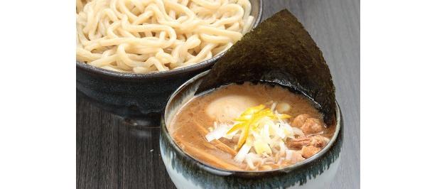 つけてニコ(¥900、金曜日限定、写真は味付玉子+¥100)