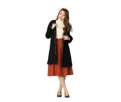 「コート」(9900円)、「ニット」(1100円)、「スカート」(2194円)、「パンプス」(2854円) / vis /  Ropé Picnic