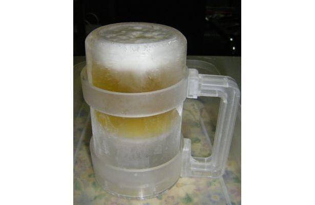 実際に作るとこんな感じ! エハラ「氷のビアジョッキ」(1344円)