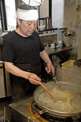 父親の中華料理店を引き継ぎ、この世界へ入った店主・田中光勝さん