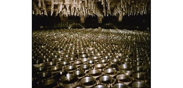 日本初の原発・東海原発一号炉の建設模様を映した『原子力発電の夜明け』(66)