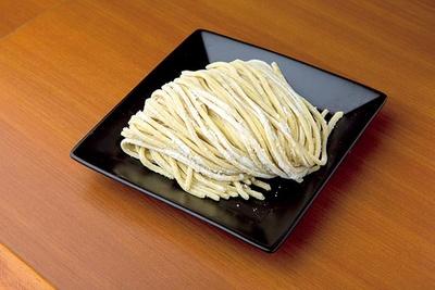 ラーメンはしっかり、つけ麺は控えめと手もみの強弱をつける
