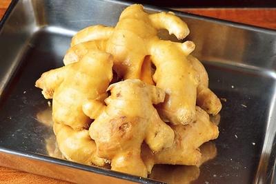 香りが強く出る高知県産生姜を使用