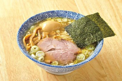 【写真】埼玉イチ旨いラーメン店の称号をもぎとった名店の「煮玉子そば」