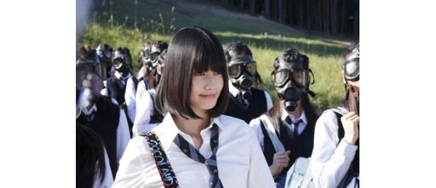級友はなぜガスマスクをしているのか?