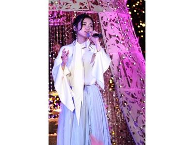 点灯式ではジャスミン役・木下晴香が熱唱して会場の人々を魅了