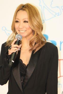 笑顔の倖田來未さん