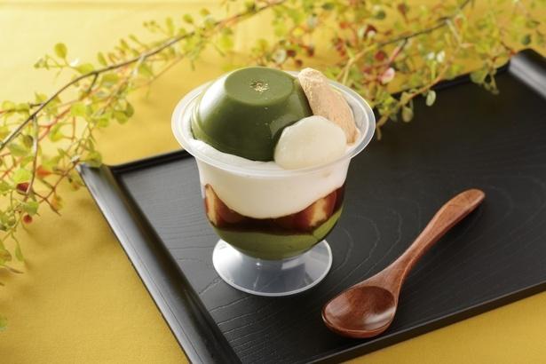宇治抹茶を使用した「もちもち濃い茶パフェ」(380円・税込)