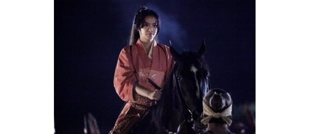 甲斐姫を演じるのは時代劇初挑戦の榮倉奈々