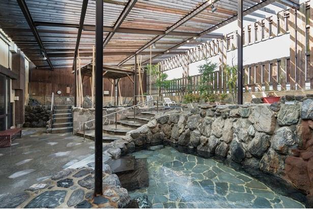 天神・博多からも近い天然温泉 / みなと温泉 波葉の湯