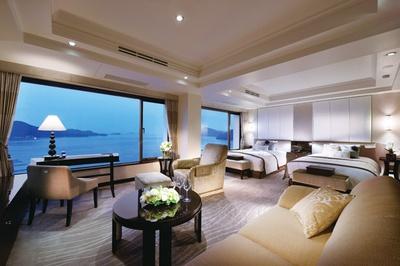 鳥羽国際ホテルの特別プラン。インペリアル・スイートでのモニター宿泊に加え、ロイヤルファミリーが召し上がった特別料理、真珠スパの体験など、盛りだくさんの内容