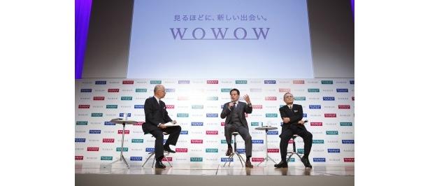 和崎氏、岡田氏、石橋氏による対談。岡田氏、石橋氏はWOWOWへの期待を語った