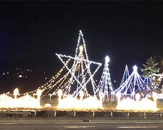 大きな星が目印の「高山村商工会イルミネーション2019-20」が群馬県吾妻郡高山村で開催中