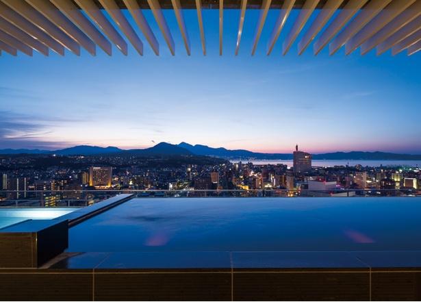 街の灯りと夕景が美しい / CITY SPA てんくう