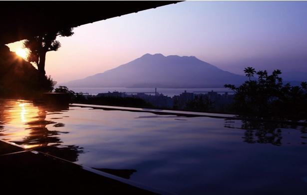 朝の桜島は荘厳な眺め / SHIROYAMA HOTEL kagoshima