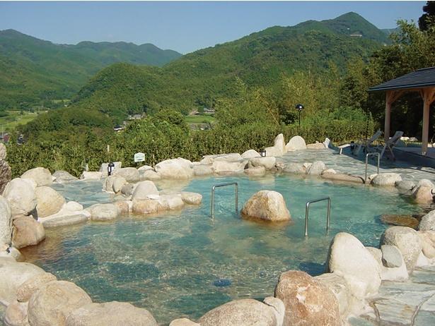 佐賀平野と脊振山系を眺望。東脊振IC近くの山間でのんびり / ひがしせふり温泉 山茶花の湯