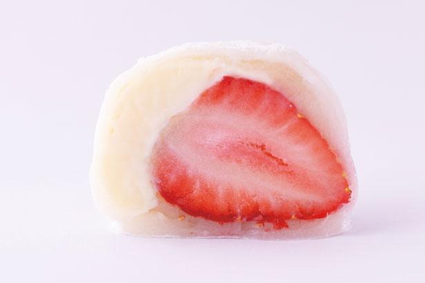 ベルギー製チョコとイチゴ洗練された大人の味わい!いちごチョコ大福(260円)/村嶋