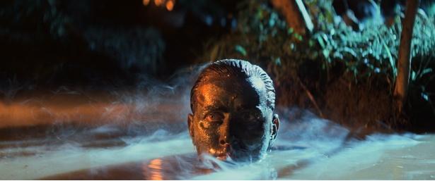 『地獄の黙示録 ファイナル・カット』の場面写真が一挙に到着