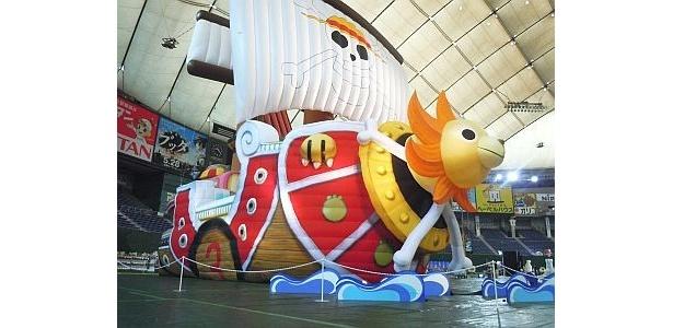ワンピースのイベントには全長20mのサウザンド・サニー号が登場