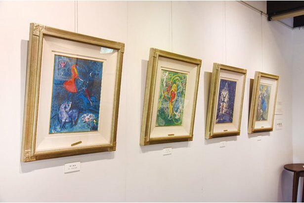 「愛の画家」とも称される巨匠シャガールの世界観は独特。色彩豊かでどれも引き込まれてしまう / マルク・シャガールゆふいん金鱗湖美術館