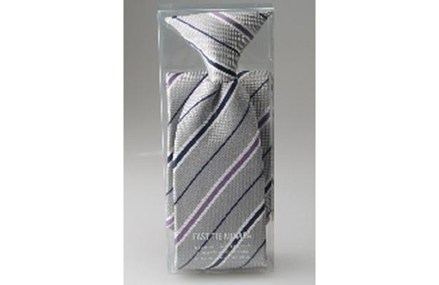 スタイルを選ばないネクタイ幅7㎝のオールマイティータイプ