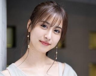 <画像2 / 12>ファッション誌で活躍の愛甲千笑美「今年を一文字で表すと『平和』に過ごしたので『和』」