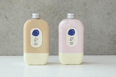 ミルクティーパンナコッタ(左)、ストロベリーミルクパンナコッタ(右・各630円)など、ボトルドリンクは売り切れるほど人気/machi machi 阪急梅田店