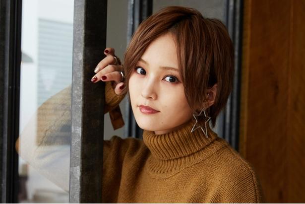 グループ卒業後初となるアルバム「α」をリリースした山本彩