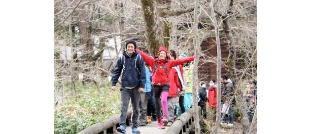 「今日は梓川を流れる雪溶け水が透き通っててすごく綺麗!」と登山を楽しんだ長澤まさみ