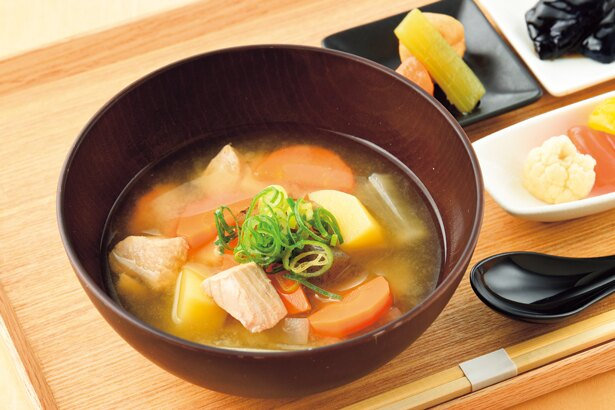 根野菜具沢山石狩汁(750円・税込)/暫