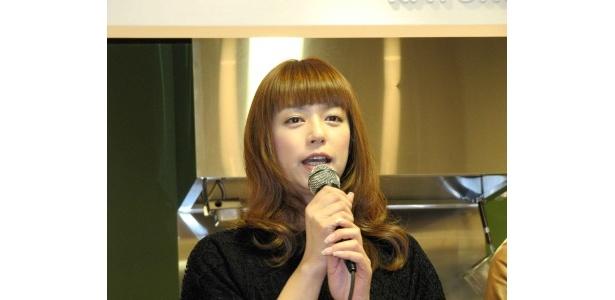 「カトノリ屋」では加藤紀子オススメの伊勢うどんを
