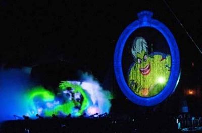 海の魔女アースラは、ミッキーマウスの夢を永遠に消し去ろうとする