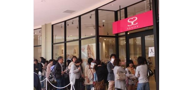 バッグのFFブランド「SAVOY」も入場規制がかかるほどの人気ぶり